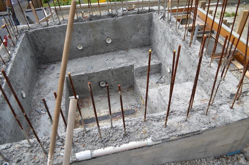 jacuzzi-concrete-rough-pour
