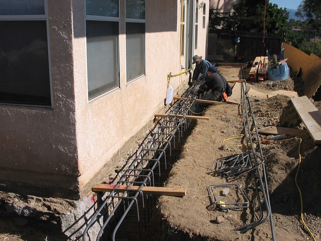 Solution of foundation problems house underpinning toronto for Contractors needed to build a house